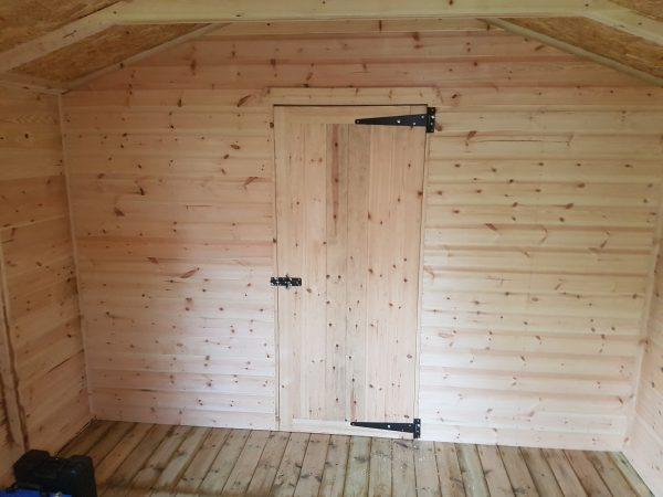 Apex shed inside