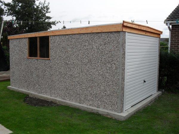 Pent garage